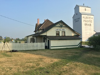 "The Meeting Creek, Alberta station is an example of the third class ""100-29"" design by Ralph Benjamin Pratt."